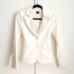 Aritzia white fitted blazer